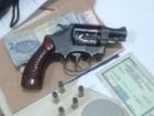 Prefeito tem carro oficial roubado por homens armados em Anápolis, GO