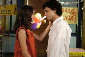 Sophie Charlotte e Rafael Almeida fizeram par romântico em 'Malhação' (Foto: TV Globo / Thiago Prado Neris)