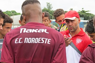 Noroeste, técnico Marcelo Sangaletti, treino (Foto: Bruno Freitas / Noroeste EC)