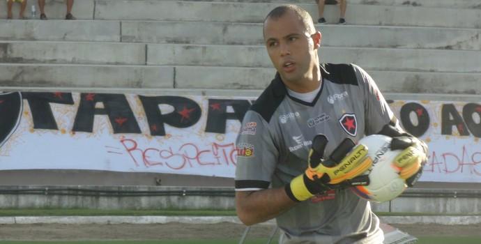 Genivaldo, goleiro do Botafogo-PB (Foto: Divulgação / Botafogo-PB)