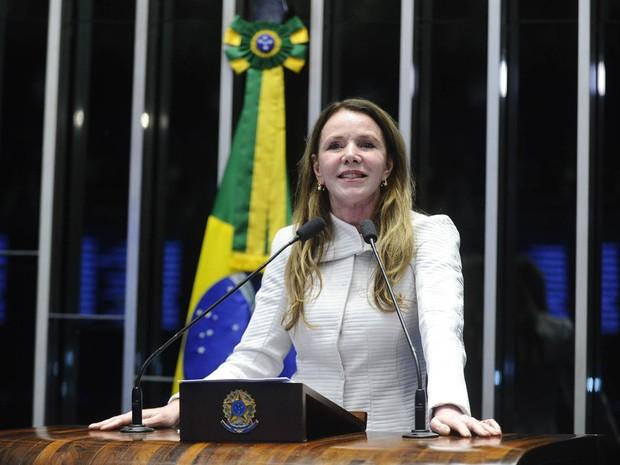 A senadora Vanessa Grazziotin (PCdoB-AM) discursa na sessão da votação do processo de impeachment da presidente Dilma no Senado, em Brasília (Foto: Marcos Oliveira/Agência Senado)