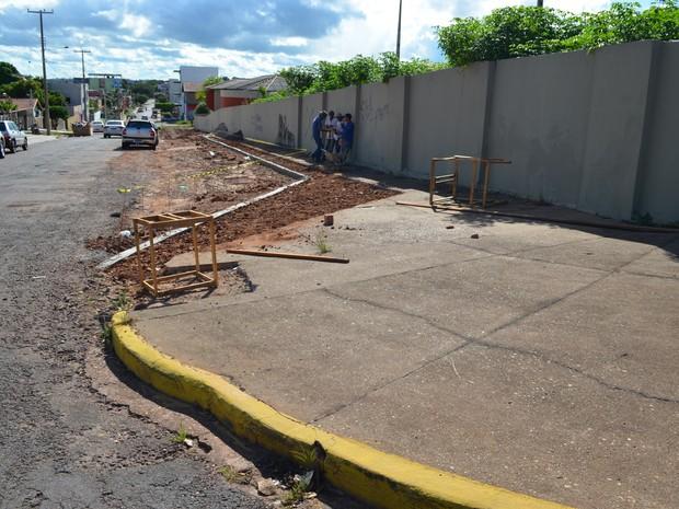 Calçadas de Cacoal, RO (Foto: Rogério Aderbal/G1)