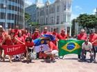 Grupo vai ao Centro do Recife defender Lula e Dilma