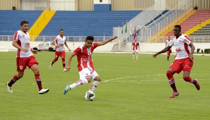 Uberaba vence o Boa Esporte por 2 a 1 em Varginha (Foto: Asscom boaec/ Maiara Araújo)