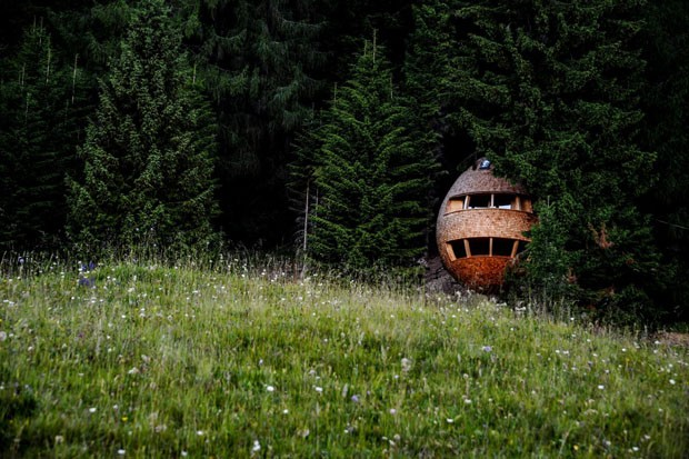 Hospede-se em uma casa com formato de pinha (Foto: Divulgação)