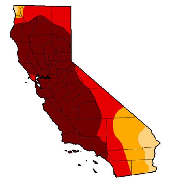 Mapa do estado da Califórnia com cores que apontam a gravidade da seca. O vermelho mais forte indica seca extrema em 81% do território (Foto: Reprodução/Centro Nacional de Mitigação à Seca dos Estados Unidos)