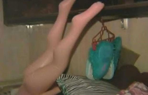 Autoridades das Filipinas descobriram até boneca inflável nas celas do presídio New Bilibid (Foto: Reprodução/YouTube/ABS-CBN News )