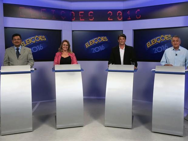 Candidatos à prefeitura de Pinda participam de debate na Vanguarda (Foto: Poliana Casemiro/ G1)