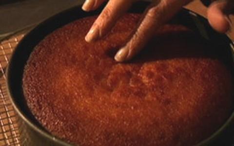 Nigella ensina receita de bolo de tangerina