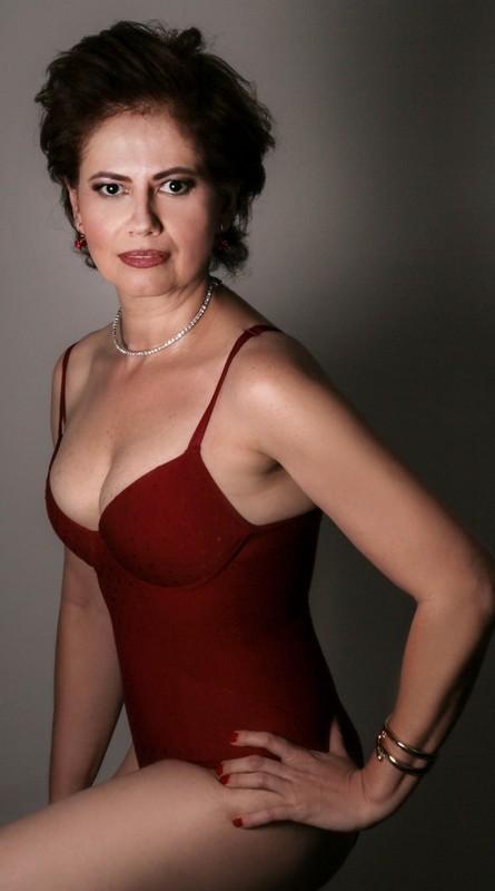 A atriz diz que, com esse ensaio, quer mostrar um lado seu pouco conhecido do grande público (Foto: Vinicius Bertoli)