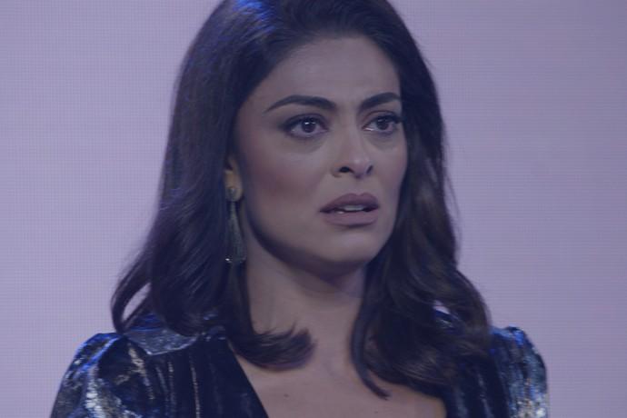 Carolina gela ao ouvir o nome de Eliza (Foto: TV Globo)