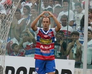 Danilo Rios comemora gol do Fortaleza contra o Itapipoca (Foto: Kid Júnior/ Agência Diário)