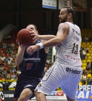 Mogi das Cruzes x Franca NBB basquete (Foto: Antonio Penedo/Mogi-Helbor)