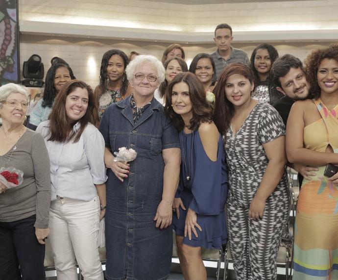 Plateia tira foto com a Fátima  (Foto: Ellen Soares/Gshow)