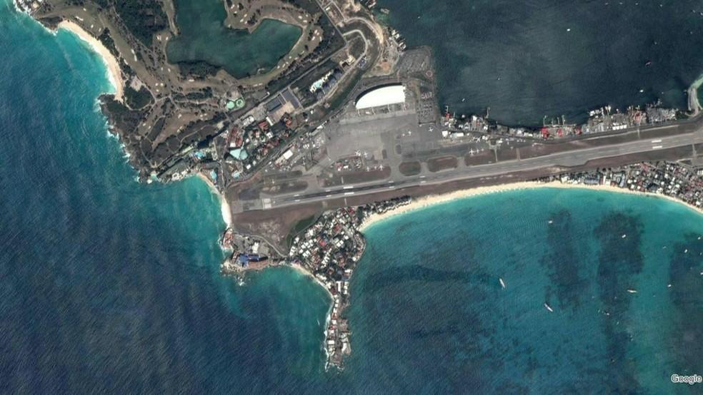 Brincadeira virou uma atração perigosa na ilha de St. Maarten, no Caribe (Foto: BBC)