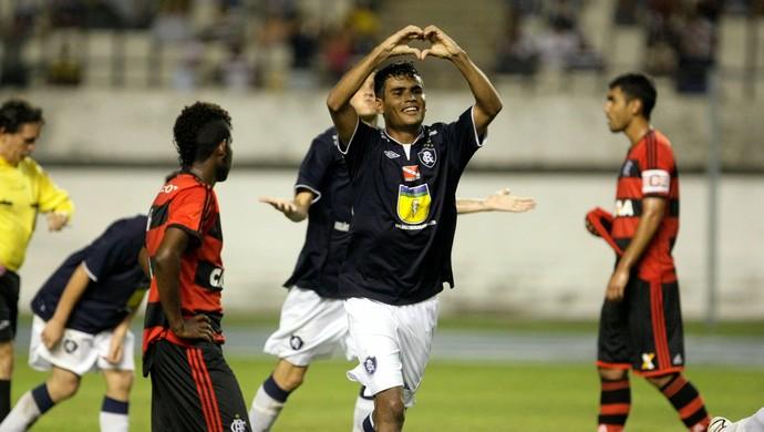 Rodrigo pelo Remo contra o Flamengo, pela Copa do Brasil Sub-20 (Foto: Marcelo Seabra/O Liberal)
