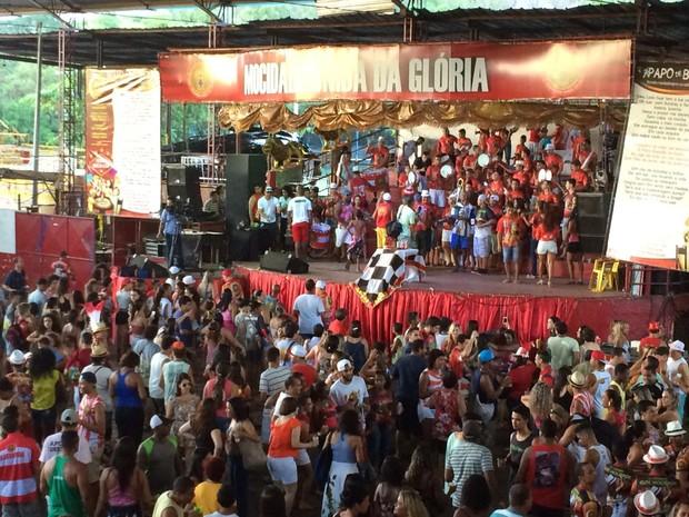 Festa na quadra da MUG (Foto: Naiara Arpini/ G1)