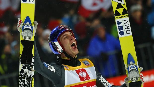 Gregor Schlierenzauer Bischofshofen saltos de esqui (Foto: Reuters)