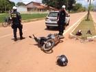 Motociclista sofre queda após desviar de carro em avenida de Guajará, RO