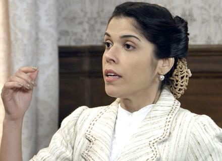 Reta final: Olga promete revelar seu passado a Araújo