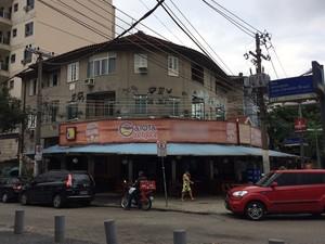 O gerente do bar Garota da Tijuca foi acusado de injúria racial por entregadores de bebida (Foto: Marcelo Elizardo/ G1)