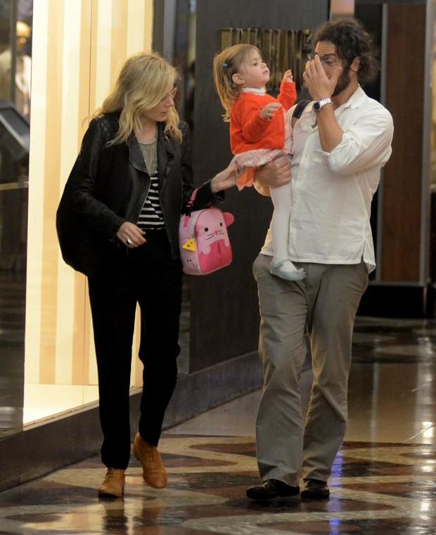 O ator e sua família (Foto: AgNews)