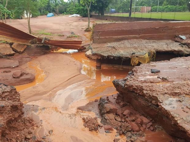 Estrago provocado pela chuva em Campo Grande (Foto: Edmar Melo/TV Morena)
