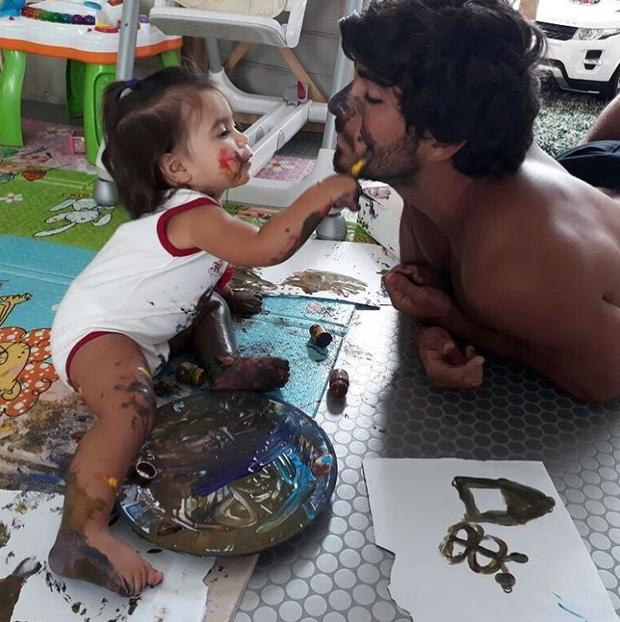 Hugo Moura com a filha, Maria Flor (Foto: Reprodução/Instagram)
