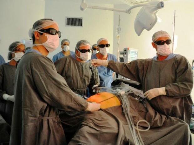 Hospital de Salto realiza videocirurgia gastrointestinal com equipamento 3D (Foto: Divulgação/ Oséas Singh Jr. )