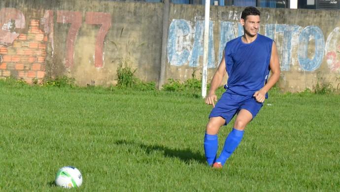 O zagueiro André Morosini foi o jogador que mais atuou pelo Rolim de Moura em 2014 e agora está no elenco do Ji-Paraná (Foto: Samira Lima)