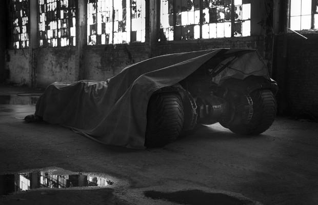Batmóvel de Batman vs Superman: A Origem da Justiça (Foto: Divulgação)