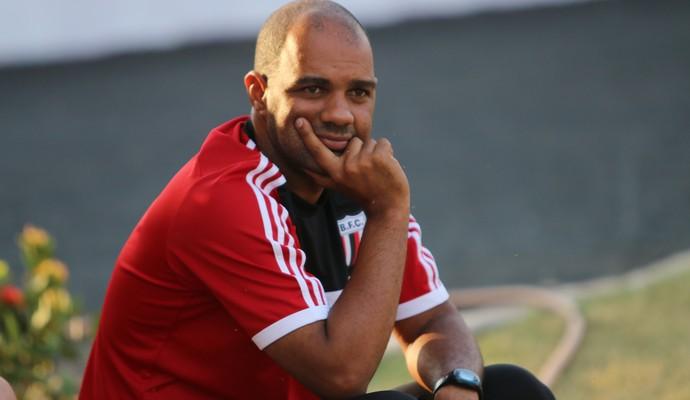 Alexandre Ferreira, técnico do Botafogo-SP (Foto: Rogério Moroti/ Ag Botafogo)