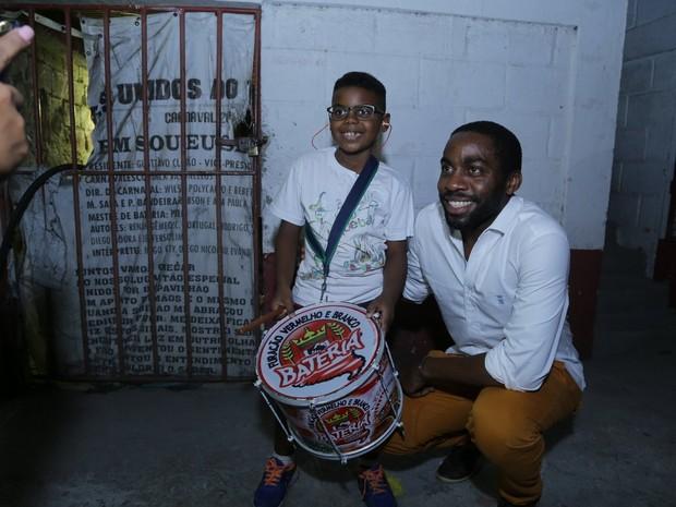 Lázaro Ramos na quadra da escola de samba Viradouro, em Niterói, no Rio (Foto: Marcello Sá Barretto/ Ag. News)