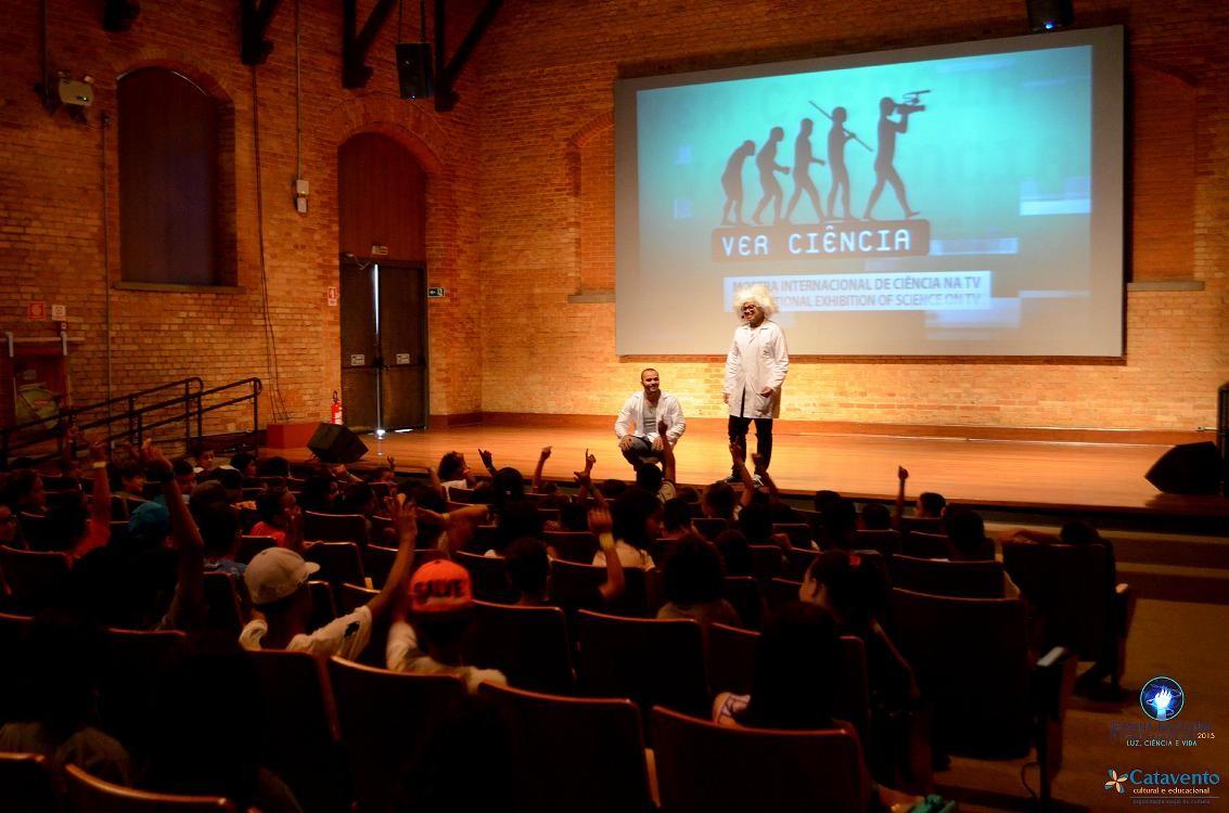 Atividades garantem diversão e interatividade através da ciência (Foto: Pedro Jackson)