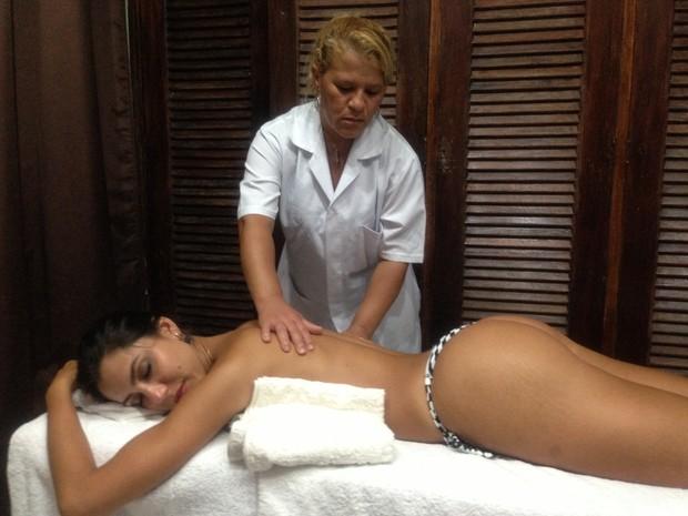 Ex-Casa de Vidro, Kelly relaxa em spa (Foto: Divulgação)