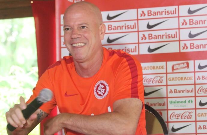 Antônio Carlos Zago treino do Inter (Foto: Eduardo Deconto/GloboEsporte.com)