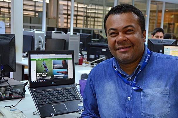 Ronaldo Nascimento participa da bancada do SPTV 1ª Edição como comentarista esportivo (Foto: Marketing/TV Fronteira)