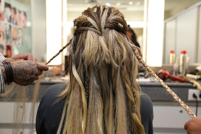 Adivinhe de quem é esse cabelão cheio de trancinhas! (Foto: Carol Caminha/Gshow)