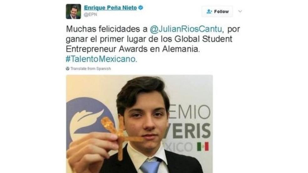 O presidente mexicano, Enrique Peña Nieto, parabenizou Julian e seus colegas pelo prêmio internacional para estudantes empreendedores (Foto: Reprodução/Twitter)