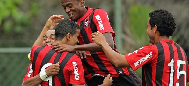 Jogadores Atlético-PR gol (Foto: Euler Andrey / Ag. Estado)