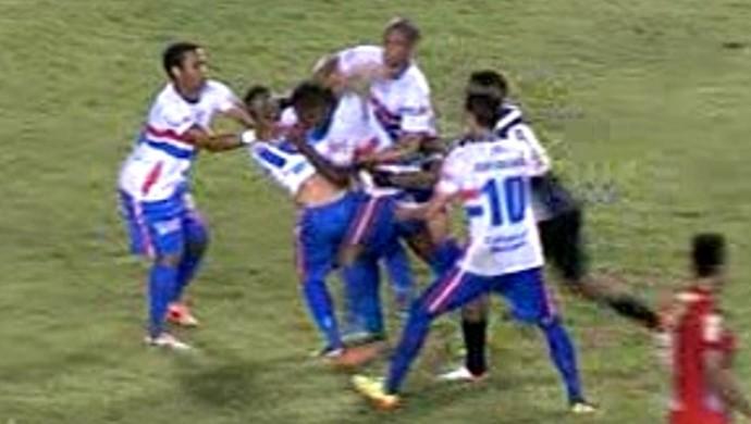 uilian fábio júnior briga plácido de castro (Foto: Reprodução/TV Acre)