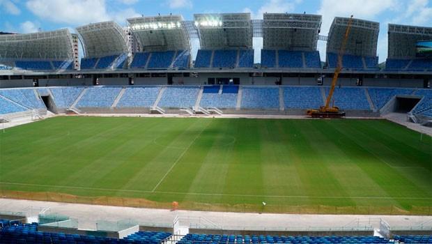 Arena das Dunas entra na fase de acabamento e testa iluminação (Foto: Augusto Gomes/GLOBOESPORTE.COM)