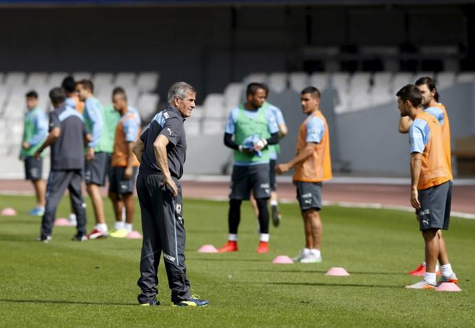 Óscar Tabárez treino Uruguai (Foto: REUTERS/Andres Stapff)