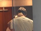 Cleo Pires beija Rômulo Arantes Neto em shopping do Rio