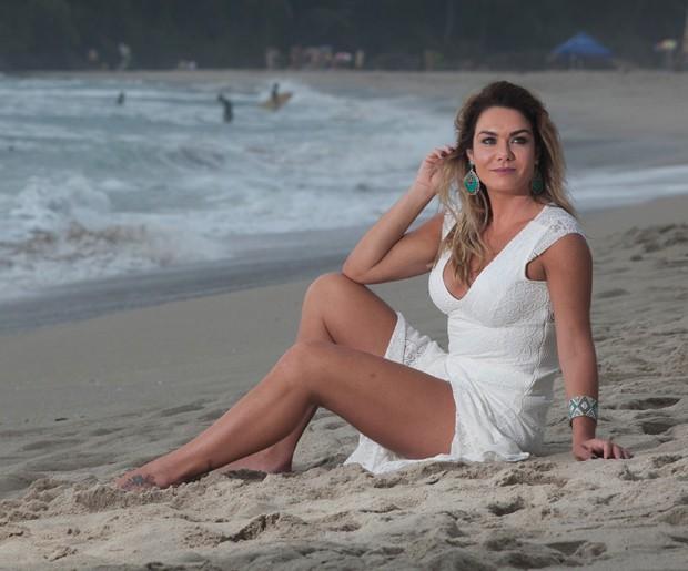 Luize Altenhofen é apaixonada pela Praia de Itamambuca (Foto: Marcos Rosa/Editora Globo)