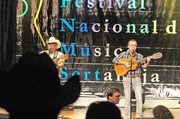 Dupla de SC é a vencedora do Festival de Música Sertaneja  (Foto: Divulgação Prefeitura / Sergio Menezes)