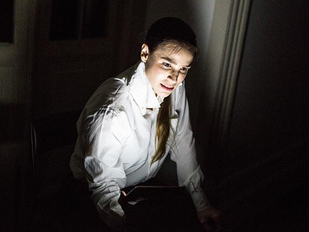 Cena da peça - 'Genderless - Um Corpo Fora Da Lei' (Foto: Divulgação/Elisa Mendes)