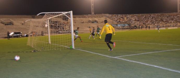Botafogo e miramar, pelo Campeonato Paraibano, no Estádio Almeidão (Foto: Amauri Aquino / GloboEsporte.com)