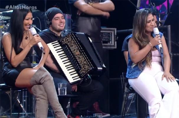 Simone & Simaria no 'Altas Horas' (Foto: TV Globo/Reprodução)