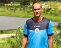 """Longe de casa, Rodrigo Souto recorre à internet para """"ficar perto"""" da família"""
